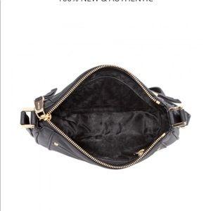 Michael Kors Bags - ‼️FLASH SALE‼️AUTHENTIC Michael Kors Crossbody Bag